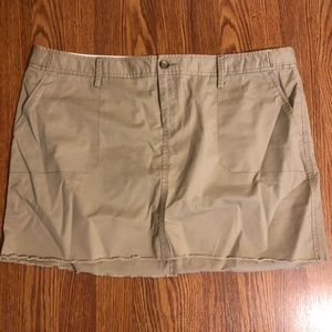 Old navy kaki skirt 18